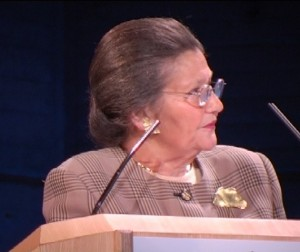 """Simone Veil au forum """"Femmes handicapées : la vie devant elles"""" 16/11/2015"""