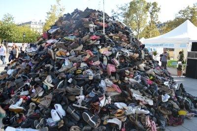 Montagne de chaussures