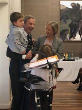 gardou avec la ministre et ses petits enfants