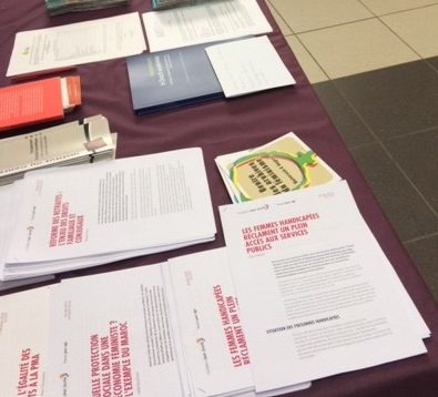 Documents FDFA sur la table