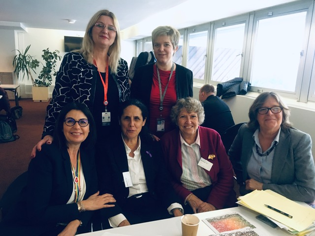 Beatriz, CAna, Claire, Sarah, et les deux présidentes de sous-commission